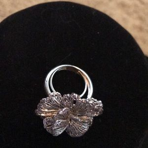 Stella and Dot adjustable silver flower ring